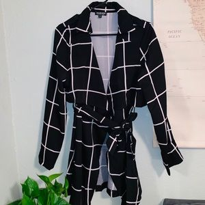 FASHION NOVA CHECKERED  BUISNESS CARDIGAN